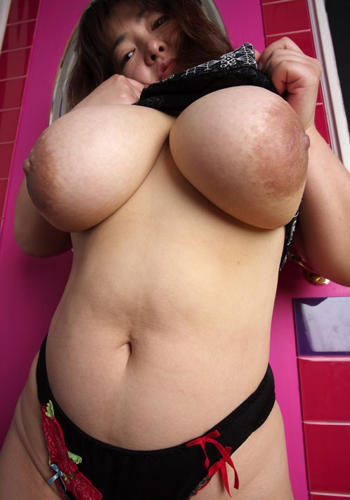 Japanese Japan ジャンボ日本人ジャグズ big tits juggs boobs breasts jubblies norks Mariko Morikara asian BBW