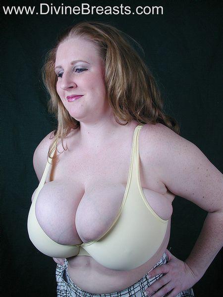 Big Tits Tiny Bra Photo Album - Amateur Adult Gallery