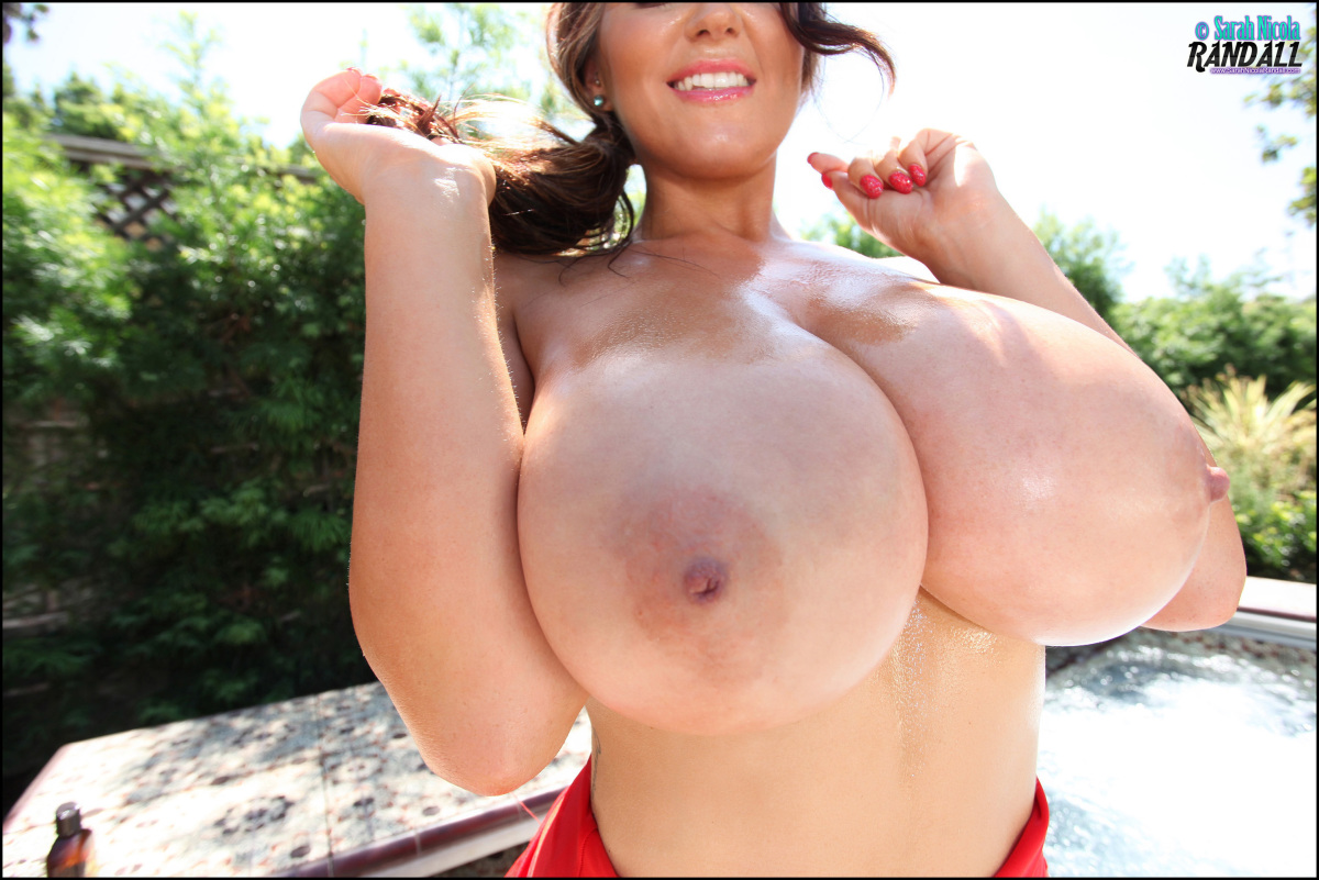 super big busty nud babes