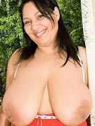 Alessandra Derya 38HH - Huge pendulous breasts of HH-cup heaven live on cam as AlessandraDerya at ImLive.com