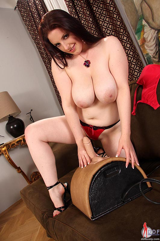 Was and busty milf sybian machine
