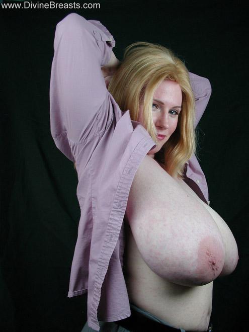 Anna boob nicole