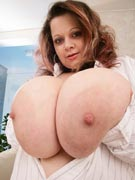 Ms Curvalot at DivineBreasts.com