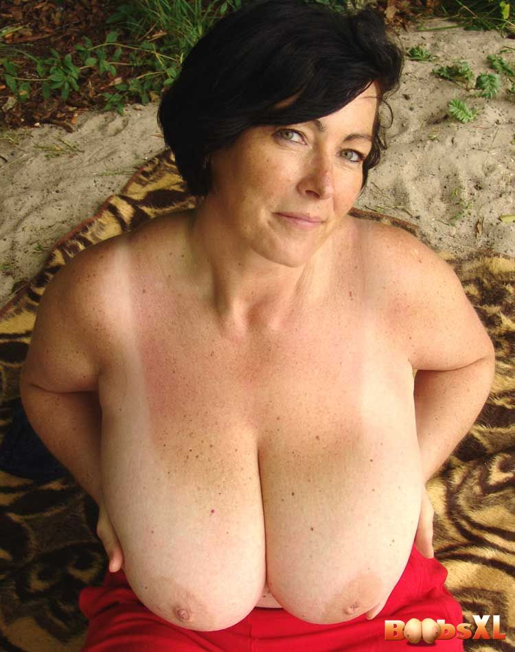 Xl Boobs Pics 121