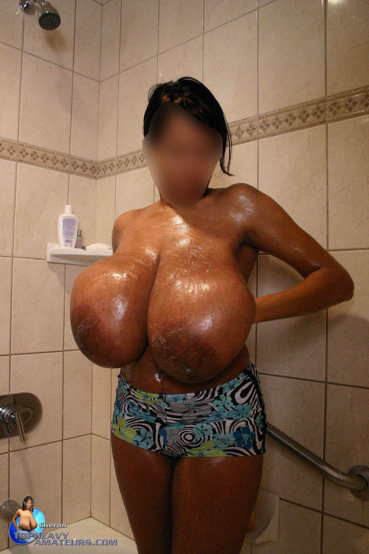huge big tits pic