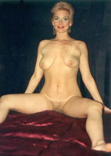 Naked Wife xxx