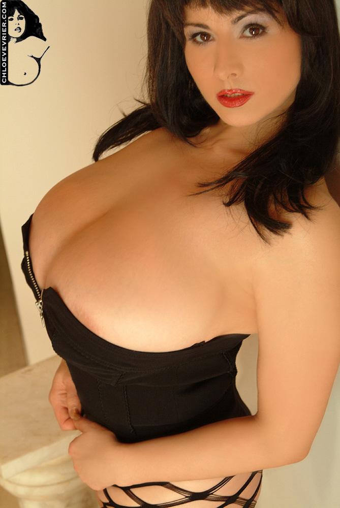 36gg tits
