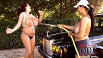 Kelley Scarlett & Leanne Crow big tits nude carwash videos from DDFbusty.com
