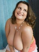 Esnia from DivineBreasts.com