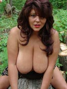 Elaine 85G gigantic breasts from Gigantischebrueste.com