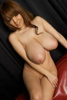 Hitomi Tanaka nude at big boobs Japanese busty Asian porn site HitomiTanakaXXX.com