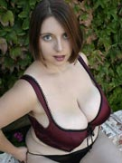 Violet 36H big tits cleavage pics from JuggMaster.com