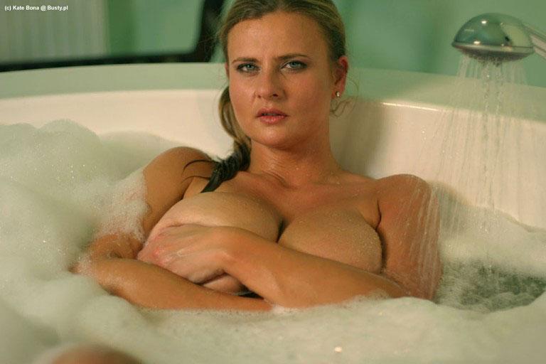 bona nude pics jpg 1200x900