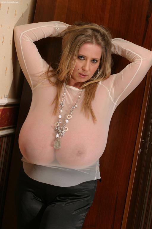 Nelli Roono Big Tits