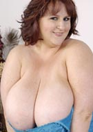 Sapphire 38L lovely large breasts beautiful busty redhead BBW big boobs L-cup tits pics from Plumper Pass - PlumperPass.com