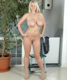 32G blonde goddess Faith visits at XX-Cel.com