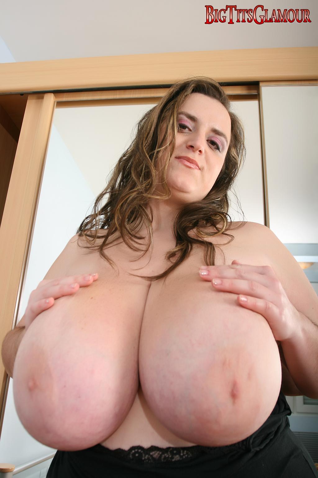 Bbw Huge Boobs Mom Porn anna love bares all as boobs40k at imlive | my boob site